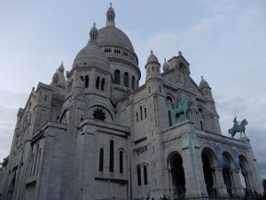 Спроектирована Полем Абади и построена в период с 1876 по 1919 год в память о жертвах франко-прусской войны 1870-1871 годов